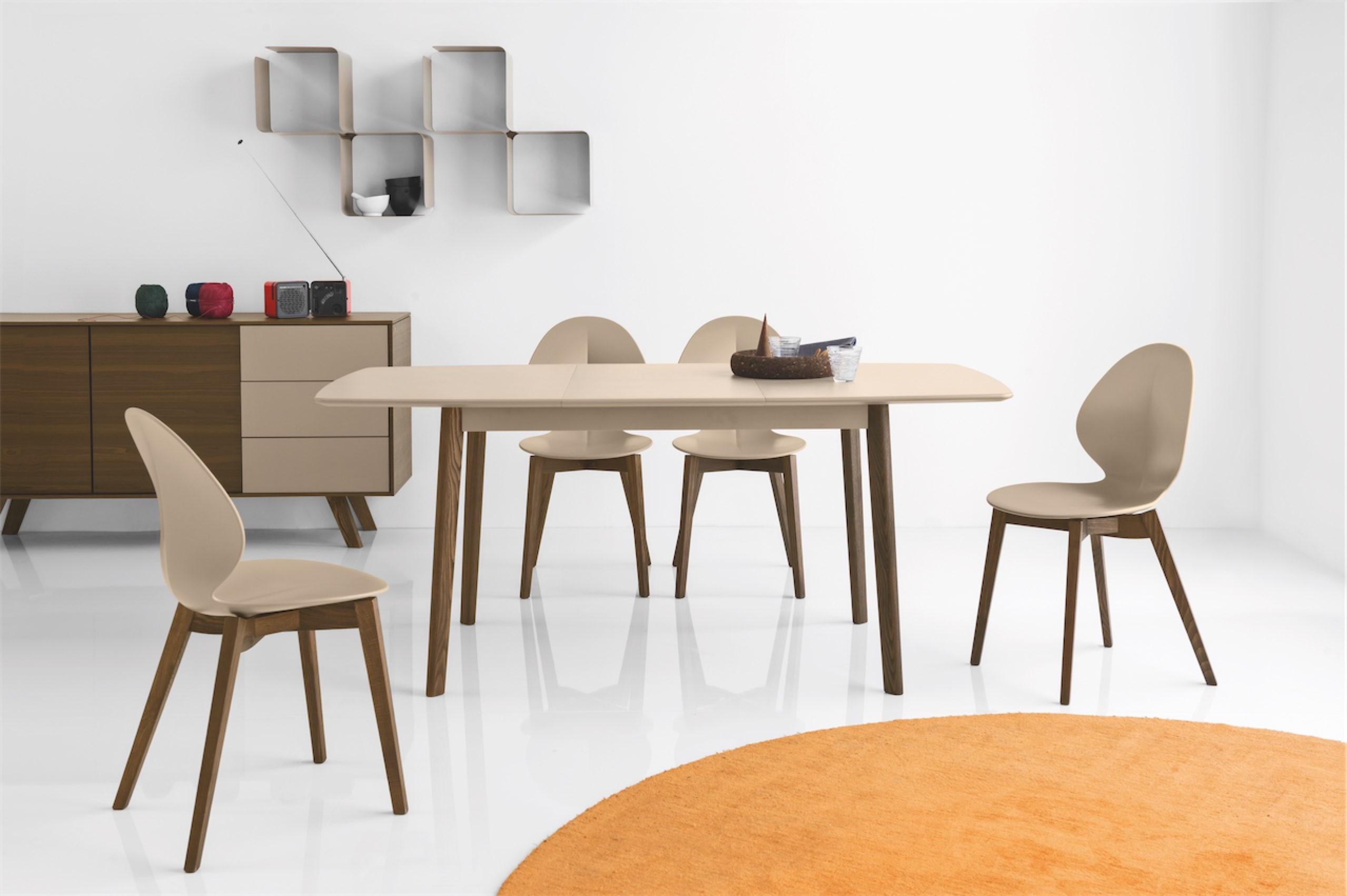 Calligaris Cream dining table