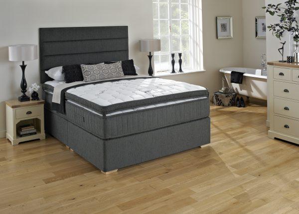 King Koil 4'6 extended life Gold mattress