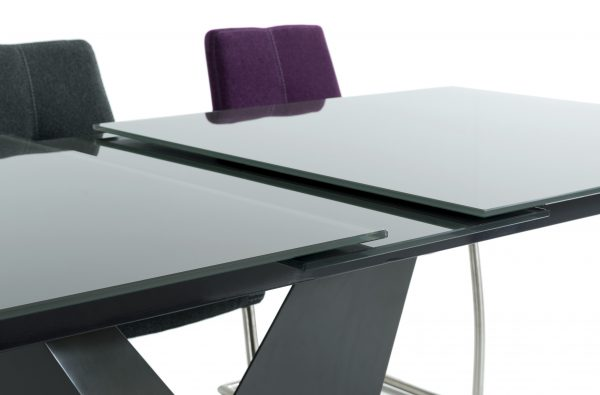 Panama exteding glass table